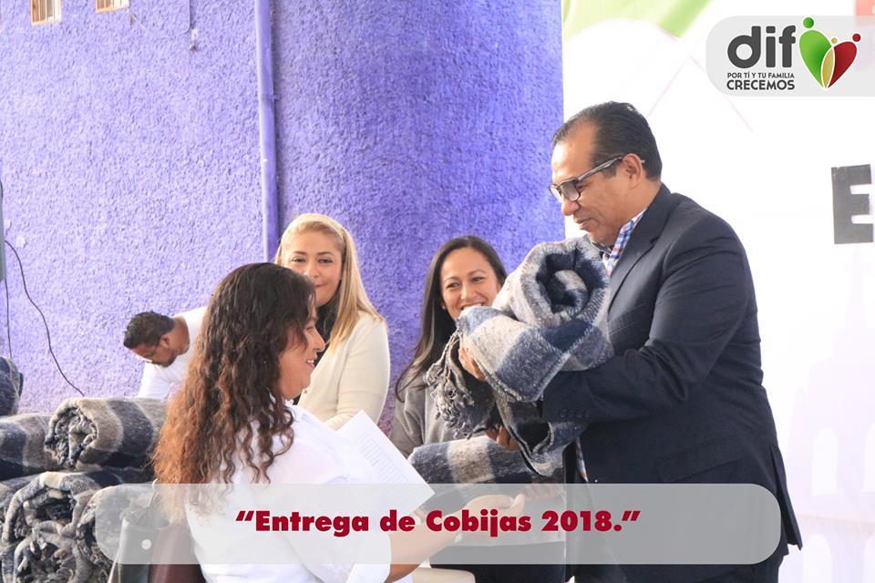 El día 10 de Diciembre por la mañana, se realizó la entrega de cobijas a personas que viven en zonas muy alejadas del municipio o en zonas de vulnerabilidad.