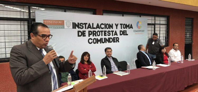 Toman protesta integrantes del COMUNDER