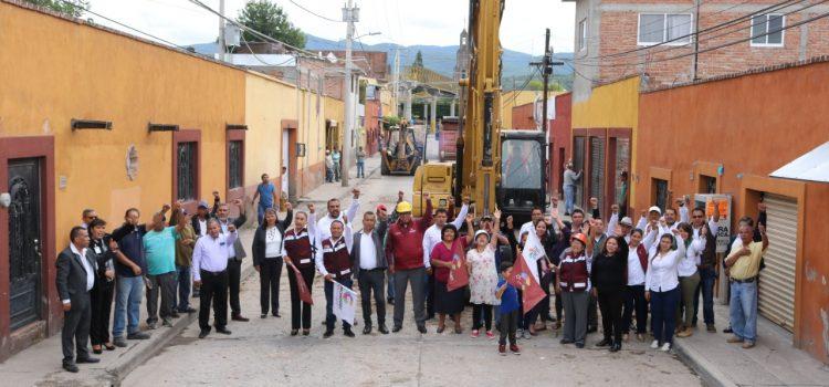 Inician pavimentación de calle Allende en Escobedo