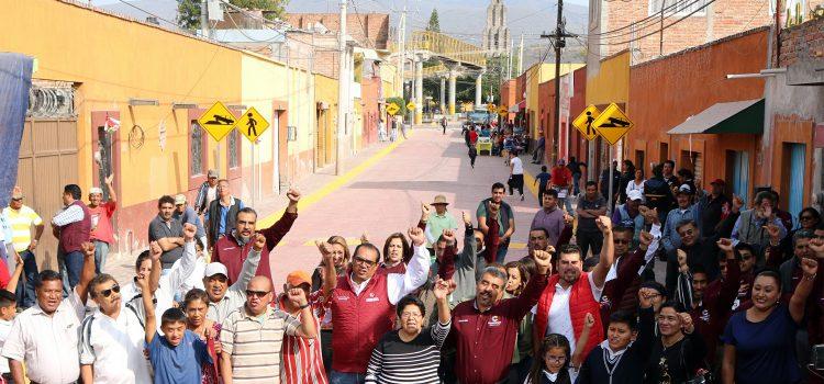 Entregan calle Allende en Escobedo