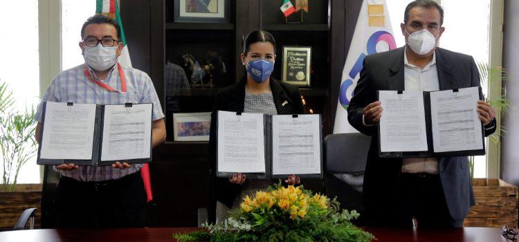 Firma Carlos Nieto, convenio para Fondo Estatal para el Fortalecimiento de la Seguridad Pública para Comonfort